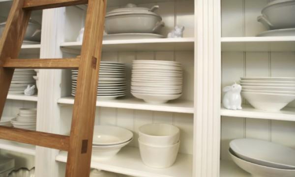 Choisir des armoires de cuisine avec ou sans portes trucs pratiques - Un armoire ou une armoire ...