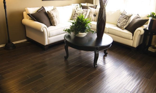 Guide pratique pour choisir le bon plancher pour chaque pièce