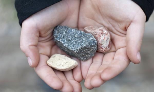 Préférence La chasse aux pierres semi-précieuses en camping | Trucs pratiques ZT71