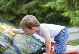 4 façons écologiques de laver votre voiture