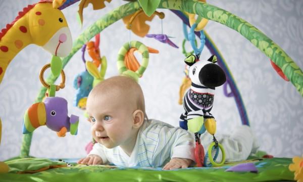 Guide essentiel pour choisir un bon tapis de jeu pour bébé