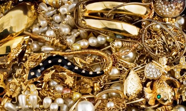 Les meilleuresastuces maison pour nettoyer vos bijoux