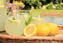 Éveillez vos sens avec ces breuvages maison aromatisés au citron