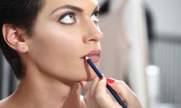Quelques conseils sur l'utilisation des crayons à lèvres