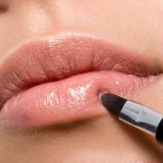 Trucs naturels pour rendre vos lèvres sublimes et plus souples