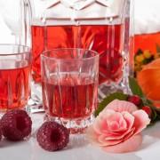 Préparer de la liqueur de fruits macérés
