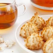 Macarons à la noix de coco et biscuits au gingembre