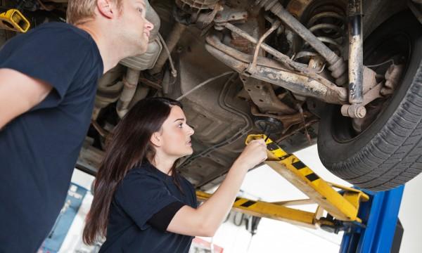 4 conseils pour choisir un bon mécanicien automobile