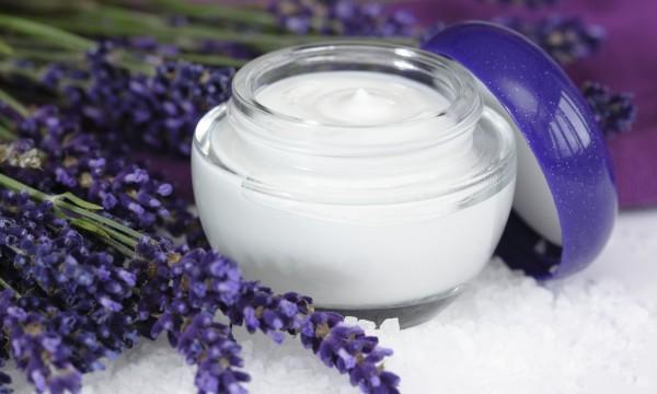 8 solutions hydratantes pour la peau à faire soi-même