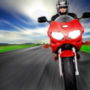 S'équiper pour faire de la moto les jours de pluie