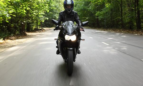 3 conseils pour rester en sécurité sur votre moto