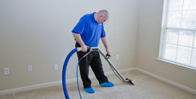 Comment et pourquoi nettoyer vos tapis à la vapeur