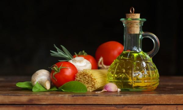 les meilleures fa ons de conserver vos aliments dans l 39 huile trucs pratiques. Black Bedroom Furniture Sets. Home Design Ideas