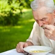Comment le goût et l'odorat changent avec l'âge