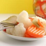 2 aliments marinés à marieravec des plats à base de viande