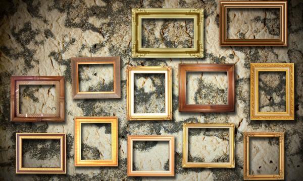 comment bien accrocher des photos au mur trucs pratiques. Black Bedroom Furniture Sets. Home Design Ideas