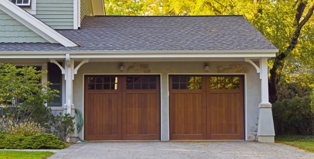 ce qu 39 il faut savoir sur les portes de garage basculantes trucs pratiques. Black Bedroom Furniture Sets. Home Design Ideas