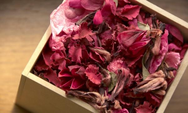 L'art du séchage des fleurs et des pots-pourris
