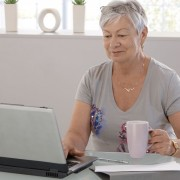 Trop jeune pour la retraite? Des emplois pour les aînés