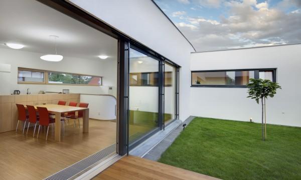 5 conseils pour l'entretien des fenêtres coulissantes