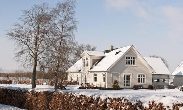 Comment les tempêtes et la neige peuvent-elles affecter votre toiture?