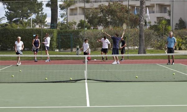 4 exercices de tennis essentiels pour devenir un ...