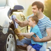 5 trucs faciles pour bien laver sa voiture