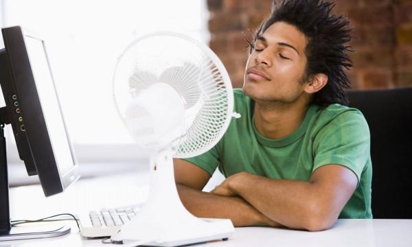 Conseils pour l 39 achat d 39 un ventilateur lectrique trucs pratiques - Rafraichir une piece avec un ventilateur ...