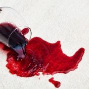 Astuces facilespour enlever les taches de vin